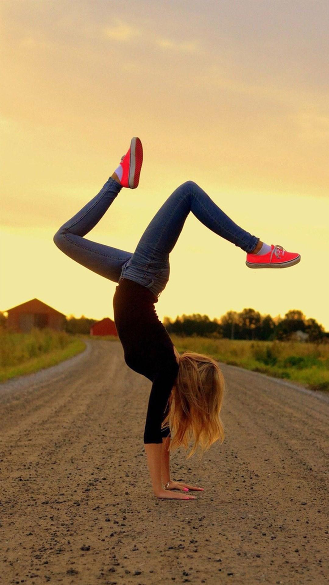 Фото на аву в вк для девочек 11 лет крутые со спины
